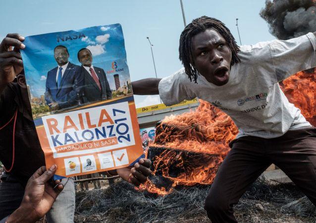 احتجاجات ومطالبات بالاحاطة بمسؤوليين من قائمة انتخابات الحكومة الانتقالية في كيسومو، كينيا 16 أكتوبر/ تشرين الأول 2017