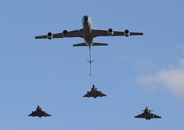 طيران الناتو