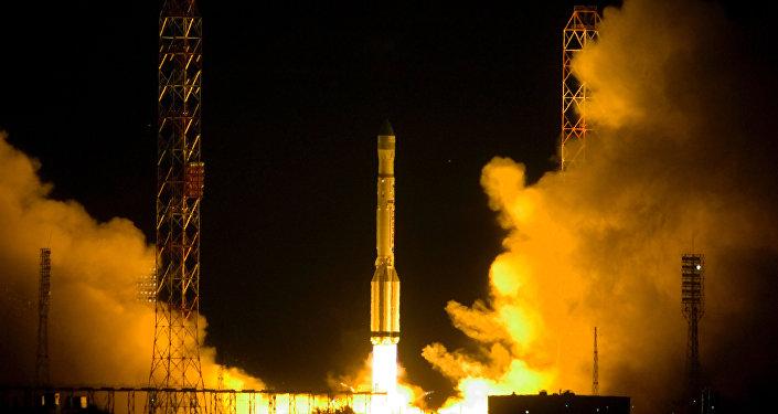 إطلاق قمر صناعي من قاعدة بايكونور