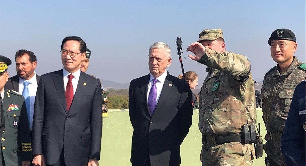 وزير الدفاع الأمريكي في المنطقة منزوعة السلاح بشبه الجزيرة الكورية