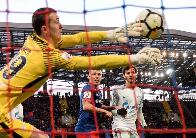 بطولة روسيا لأندية كرة القدم - فريق سسكا (موسكو) و زينيت (سان طرسبورغ)