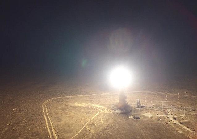 تجربة إطلاق صاروخ توبول