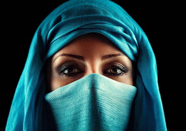 نظرة المرأة العربية