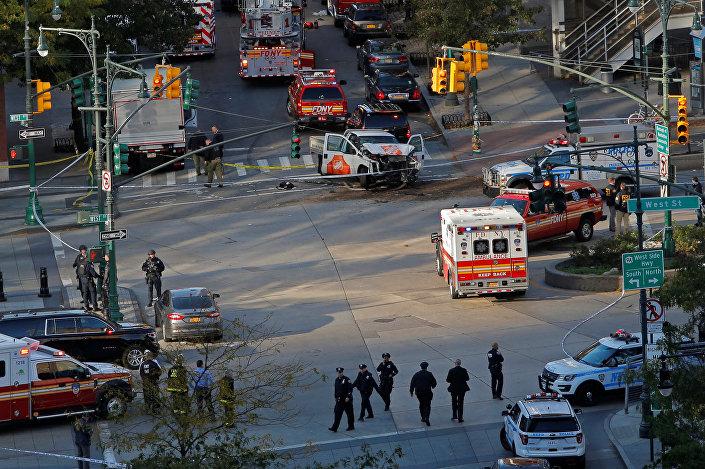 الشرطة في موقع حادث مانهاتن