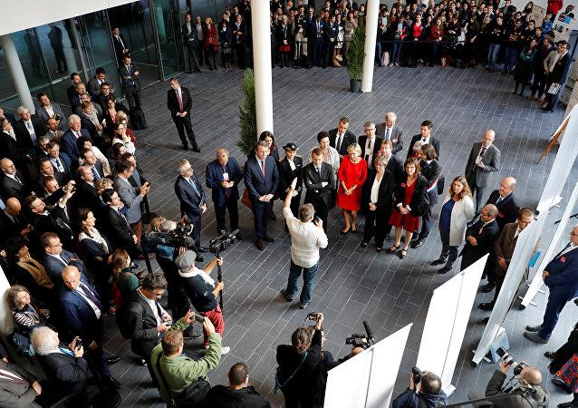 الرئيس الفرنسي إيمانويل ماكرون يحضر افتتاح معهد الرياضيات في أورساي