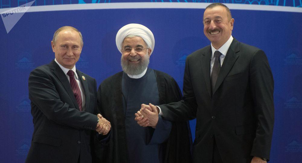 رئيس روسيا فلاديمير بوتين و رئيس أذربيجان إلهام علييف ورئيس إيران حسن روحاني في طهران، إيران 1 نوفمبر/ تشرين الثاني 2017