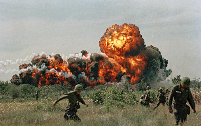 طوب في اليد… تدريب قاس لجنود فيتناميين… فيديو