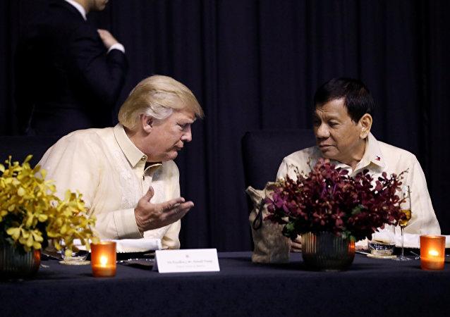 الرئيس الأمريكي دونالد ترامب و الرئيس الفلبيني رودريغو دوتيرت