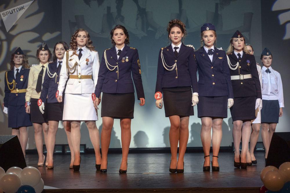 المشاركات في مسابقة جمال حسناء وشرف سان بطرسبورغ