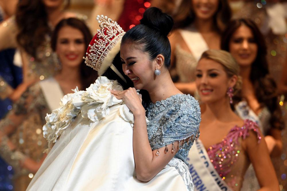 ملكة جمال ميس انترناشنال 2017 في طويكيو، اليابان 14 نوفمبر/ تشرين الثاني 2017 - تتويج مملثة إندونيسيا كيفن ليليانا