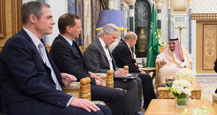 الملك سلمان ووزيرخارجية فرنسا