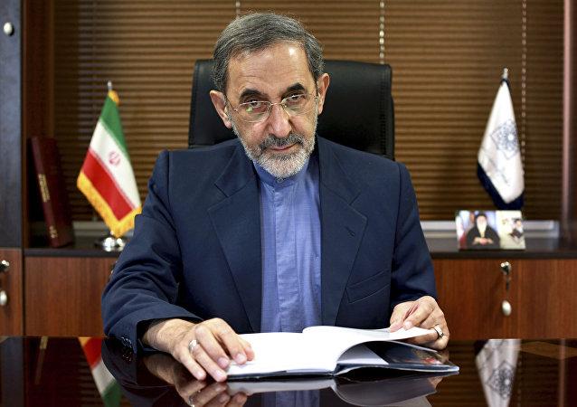 مستشار المرشد الأعلى في إيران للشؤون الدولية علي أكبر ولايتي
