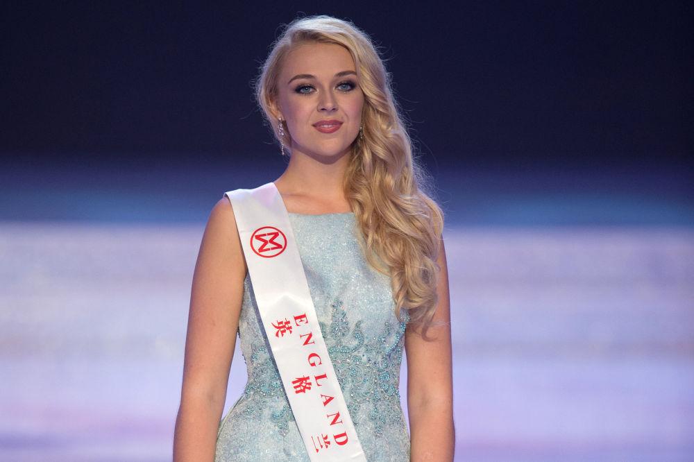 مسابقة ملكة جمال العالم 2017 في جزيرة هاينان في الصين - ممثلة إنجلترا ستيفاني داين هيل