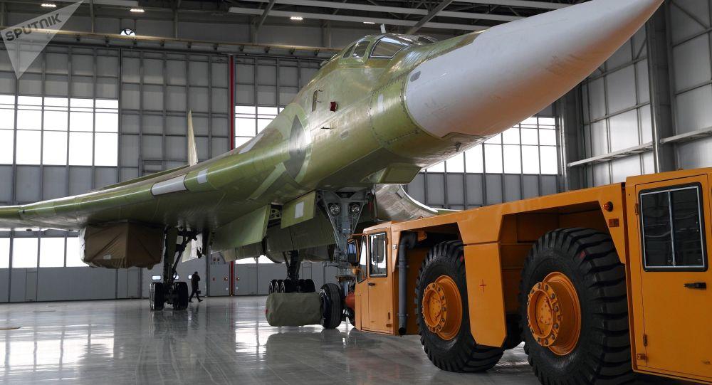 النموذج التحريبي لطائرة تو-160إم2