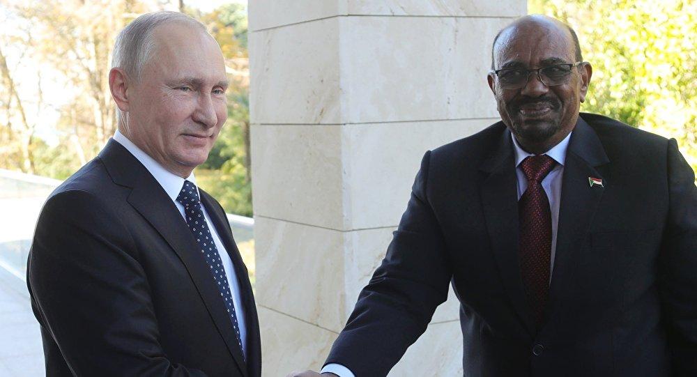 لقاء الروئيس الروسي فلاديمير بوتين والسوداني  في سوتشي
