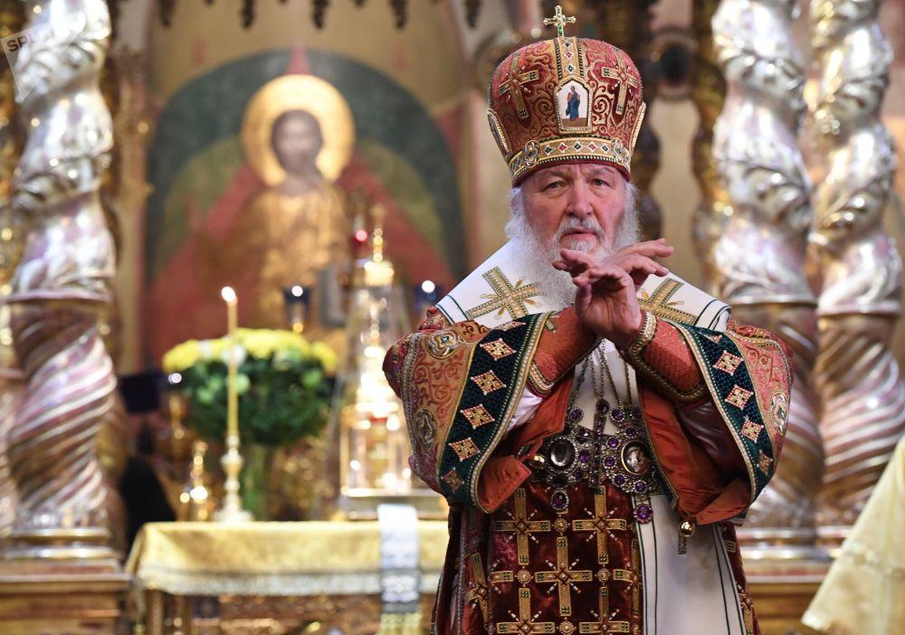 بطريرك موسكو وعموم روسيا -كيريل - خلال مراسم الاحتفال بالذكرى الـ 100 لعودة البطريركية إلى روسيا