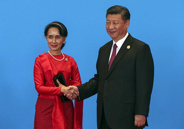 زعيمة مينامار أونغ سان سو كي