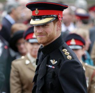 الأمير هاري يعلن خطبته على الممثلة ميغان ماركل
