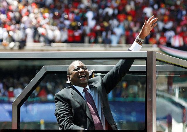أوهورو كينياتا الرئيس الكيني