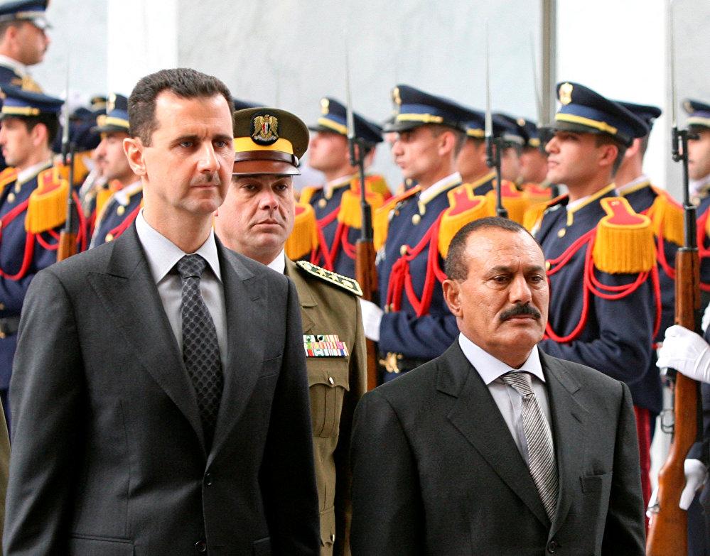 الرئيس اليمني السابق علي عبدالله صالح والرئيس السوري بشار الأسد في دمشق، سوريا 23 فبراير/ شباط 2003