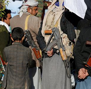 أنصار الله يحتفلون بمقتل علي عبد الله صالح في صنعاء