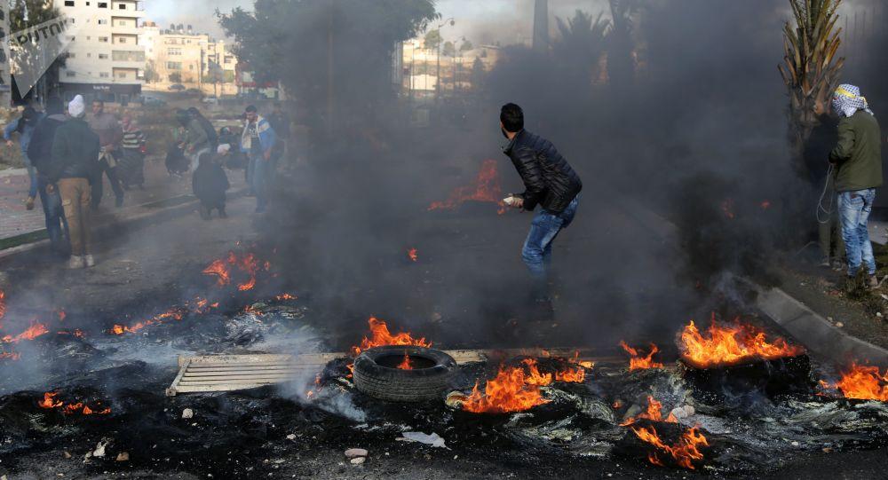 الضفة الغربية، القدس، فلسطين، اشتباكات الفلسطينيين والشرطة الإسرائيلية