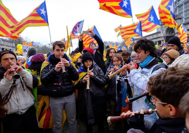 مظاهرة لأنصار كتالونيا، لتأييد رئيس الوزراء السابق الكتالوني كارليس بيغديمونت في بروكسل، بلجيكا