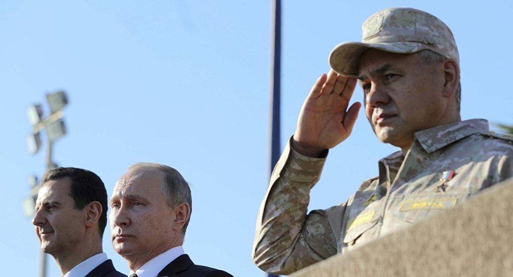 شويغو وبوتين والأسد في سوريا