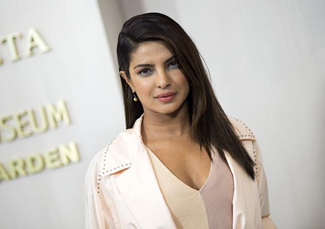 بريانكا شوبرا ممثلة ومغنية هندية