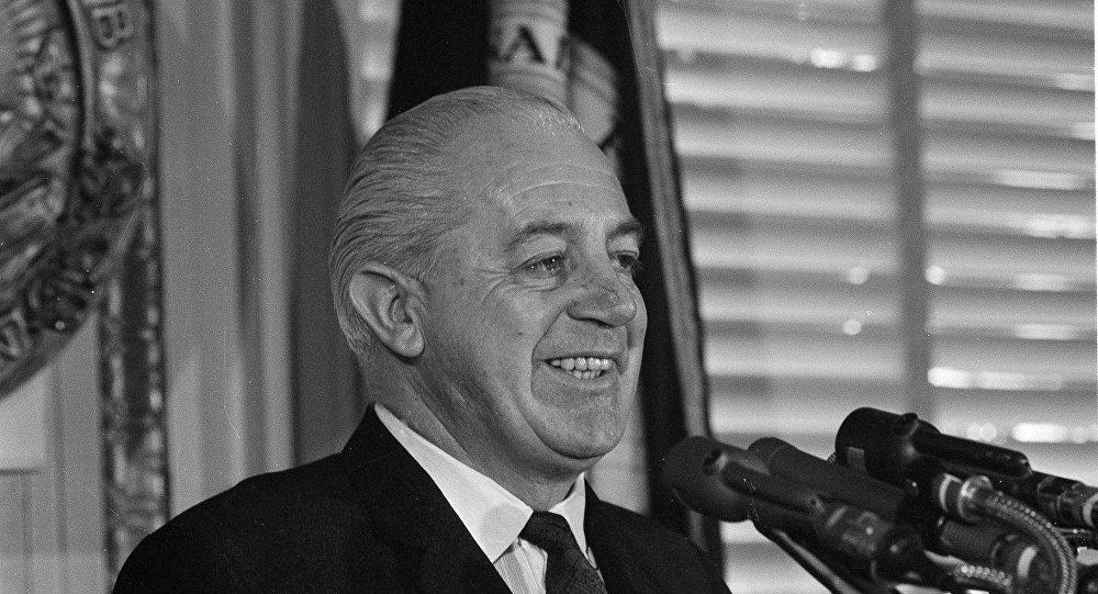 هارولد هولت رئيس الوزراء المختفي