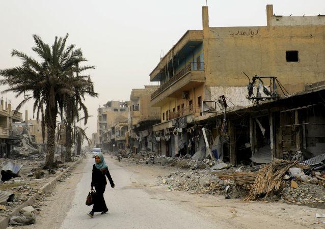 ظهور أول أشخاص عائدون إلى الرقة، سويا 20 ديسمبر/ كانون الأول 2017