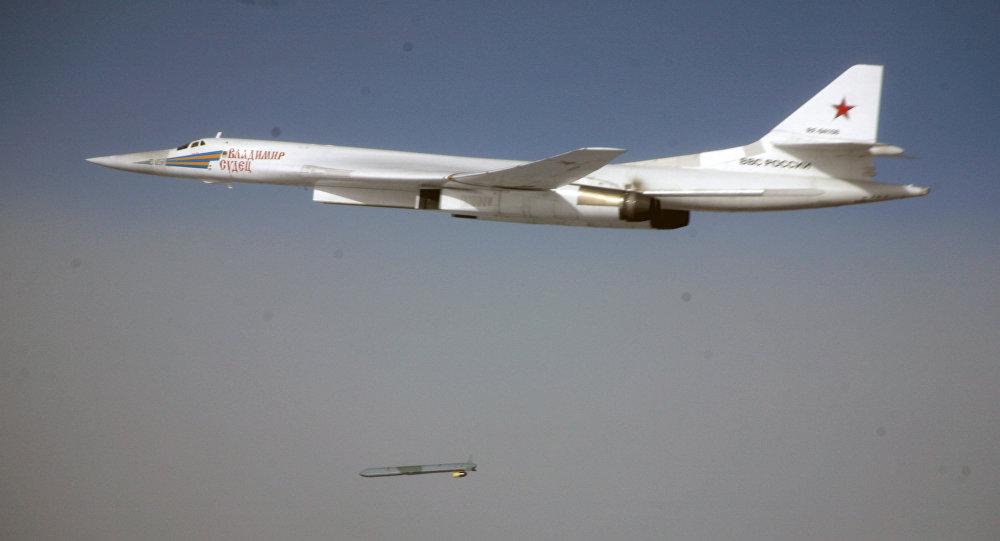 قاذفة قنابل وصواريخ تو-160