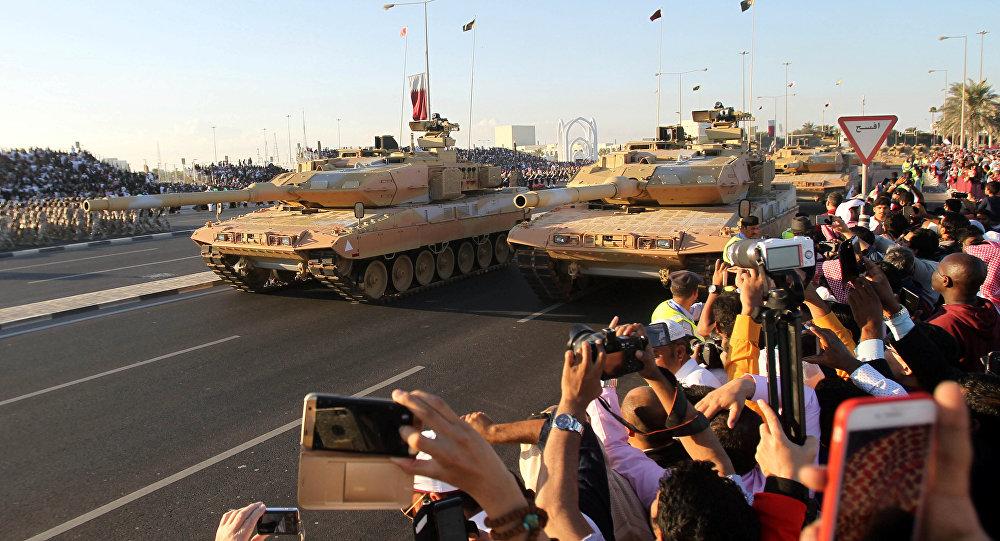 الكشف عن سر مقلق.. شاهد ماذا رصدت الكاميرات في العرض العسكري القطري 1028700006.jpg