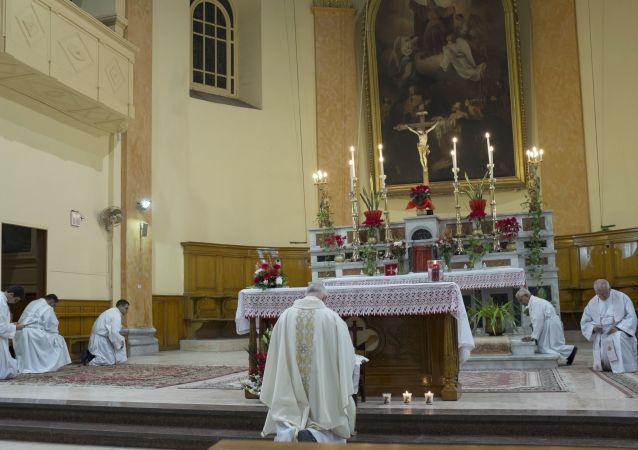 احتفالات بعيد الميلاد المجيد في كنيسة الفرنسيسكان في القاهرة، مصر 24 ديسمبر/ كانون الأول 2017
