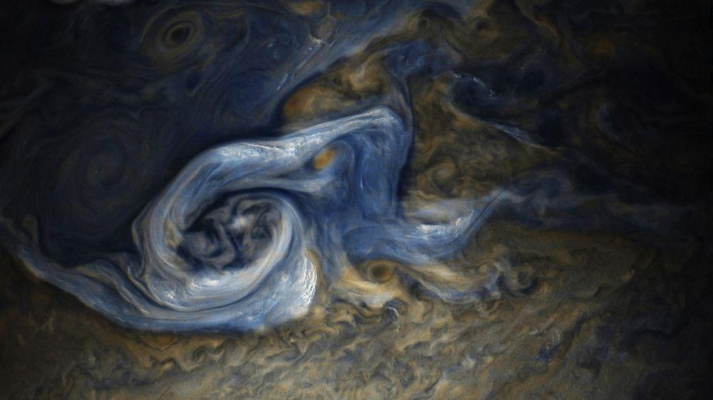 إعصار على سطح المشتري سجله جهاز جونو التابع لـ ناسا في أواخر أكتوبر/ تشرين الأول 2017