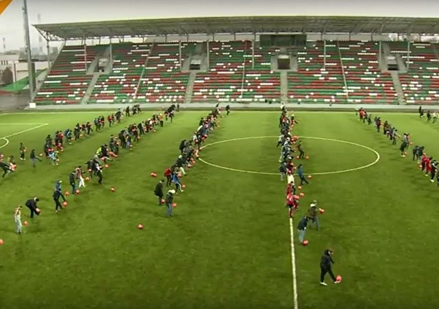 تسجيل رقم قياسي في تنطيط الكرة في موسكو