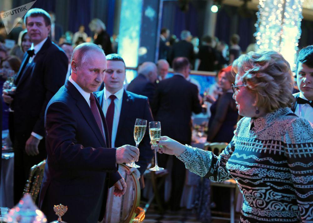 الرئيس فلاديمير بوتين خلال حفل رأس السنة بحضور الأهالي والأطفال في قصر الكرملين، موسكو 26 ديسمبر/ كانون الأول 2017