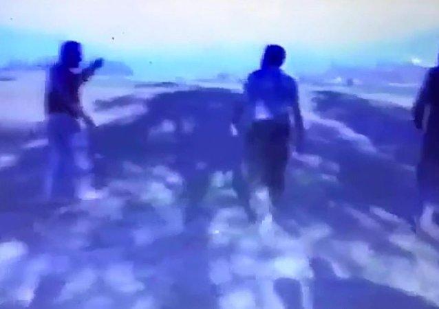 نصرالله يلعب كرة القدم