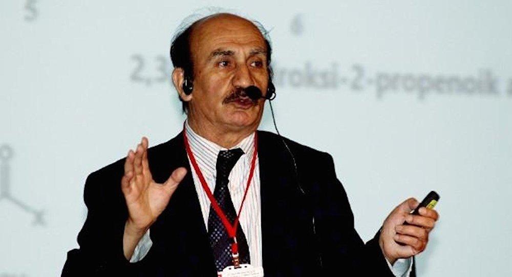 الأستاذ في كلية البحرية في جامعة اسطنبول يافوز اورنيك