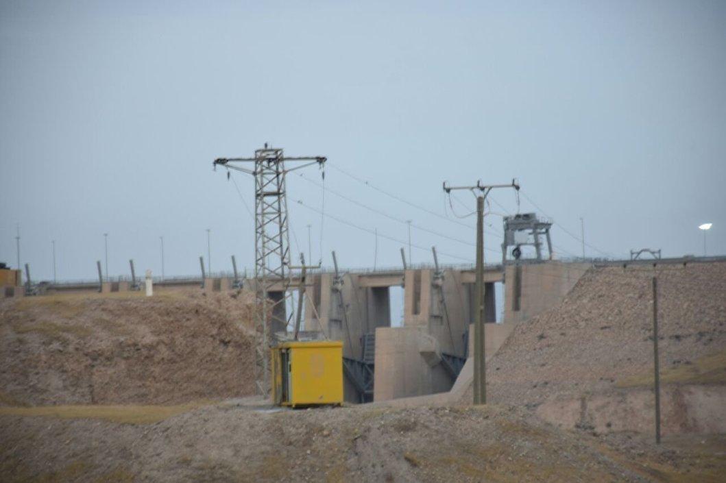 العمل داخل سد الموصل العراقي