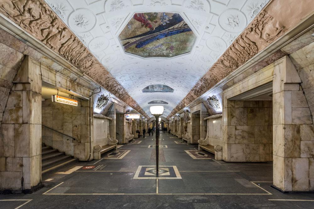 محطة مترو نوفوكوزنيتسكايا في موسكو