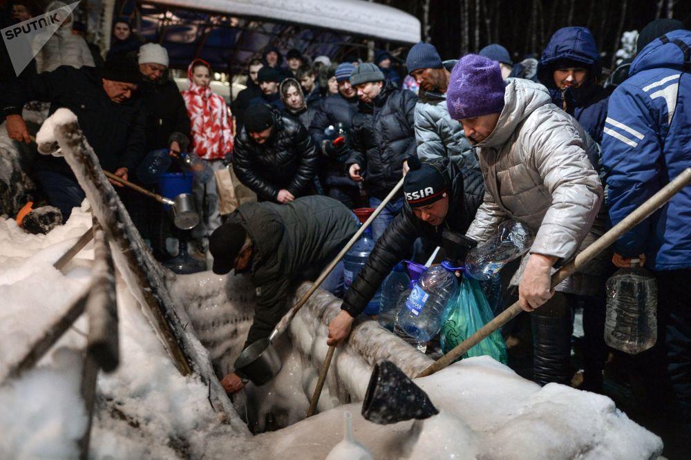 الاحتفال بعيد الغطاس في مختلف أنحاء روسيا - منطقة نوفوسيبيرسكايا أوبلست