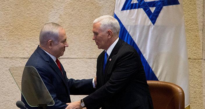 مايك بنس وبنيامين نتنياهو في القدس في 22 يناير / كانون الثاني 2018