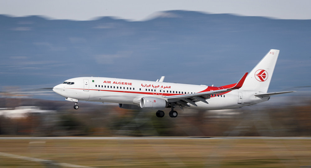 طائرة مدنية جزائرية
