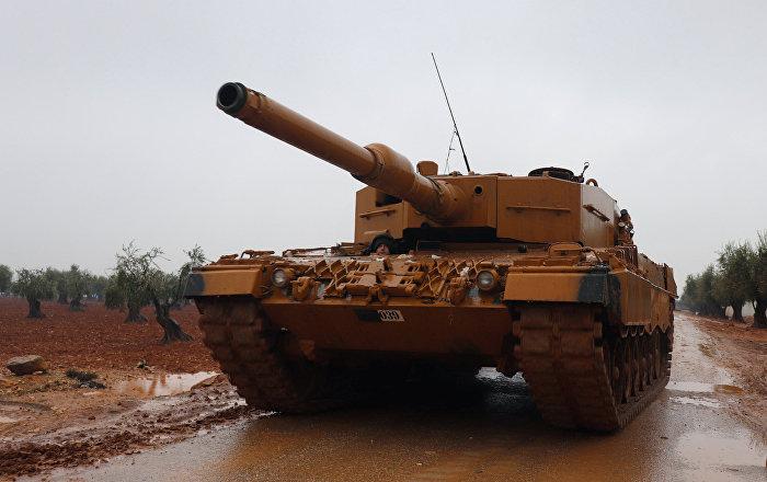 """عرض الدبابة التركية """"إم60تي إم"""" مع نظام حماية فعال…فيديو"""