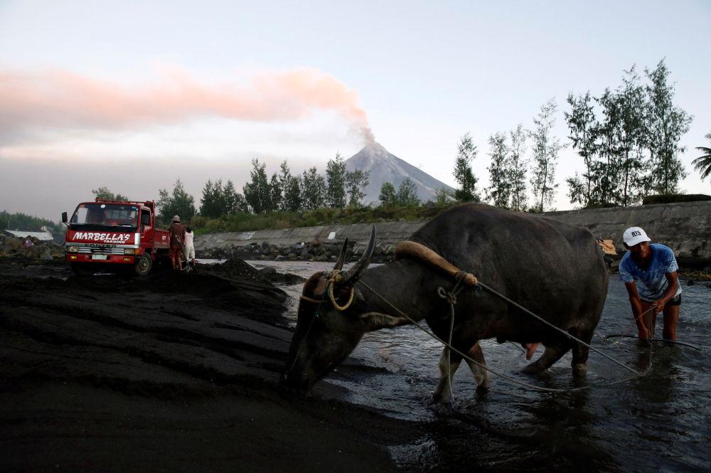 ثوران بركان مايون في الفلبين، 23 يناير/ كانون الثاني 2018