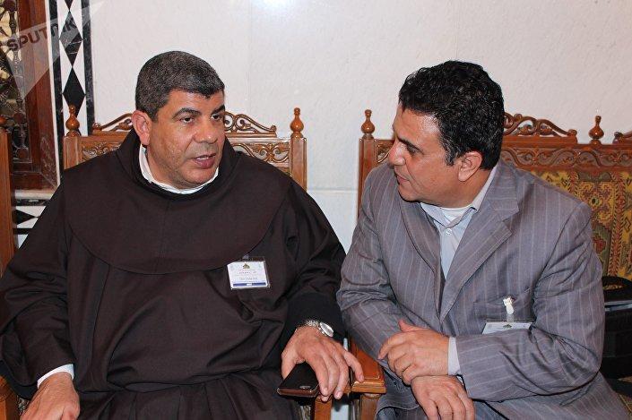 الأب إبراهيم فلتس في حواره مع سبوتنيك