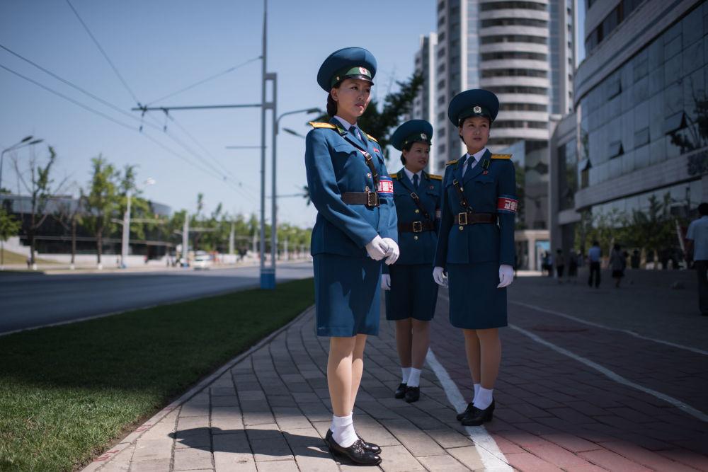 شرطية كورية شمالية في بيونغ يانغ