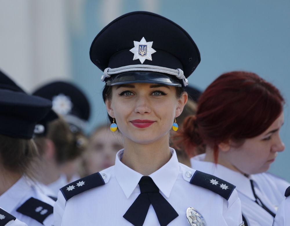شرطية أوكرانية في كييف