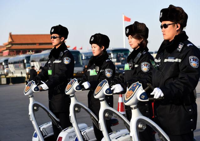 شرطيات صينيات في بكين
